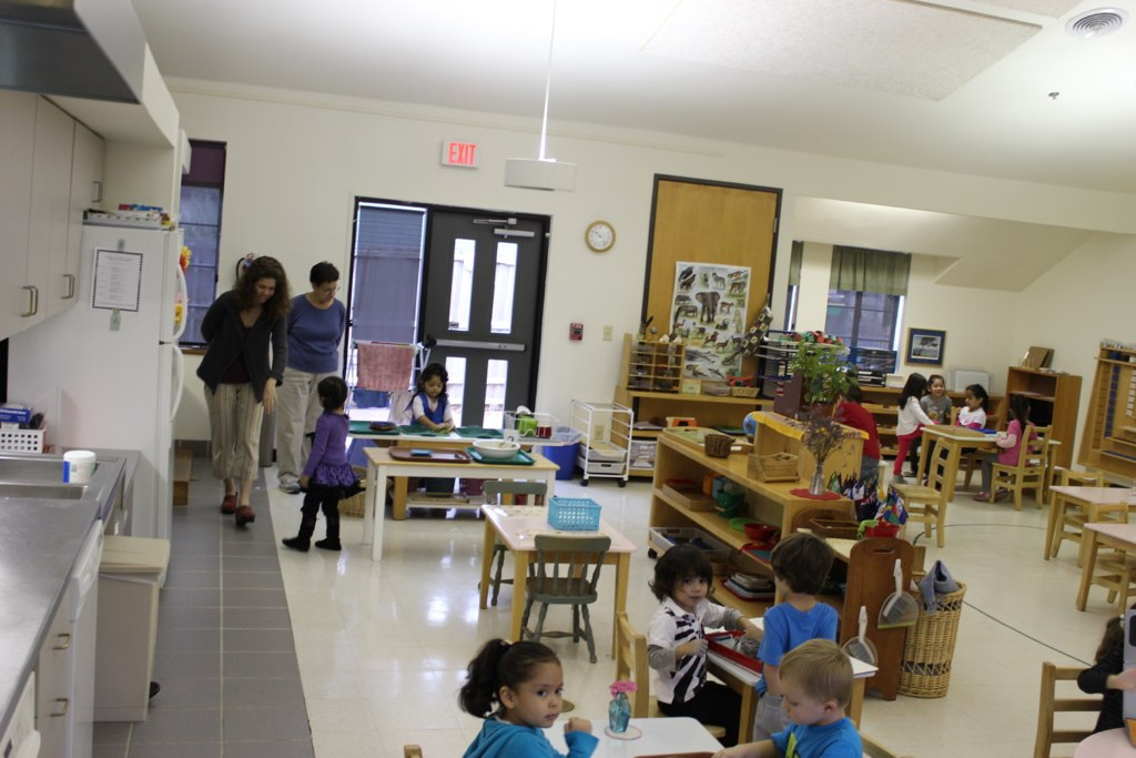 Lindsley Park Community School, Dallas, TX. Photo: Keith Whitescarver, National Center for Montessori in the Public Sector